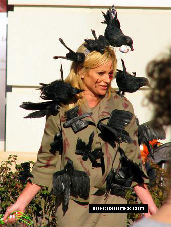 Chicago womens halloween costume idea. Tippy from The Birds